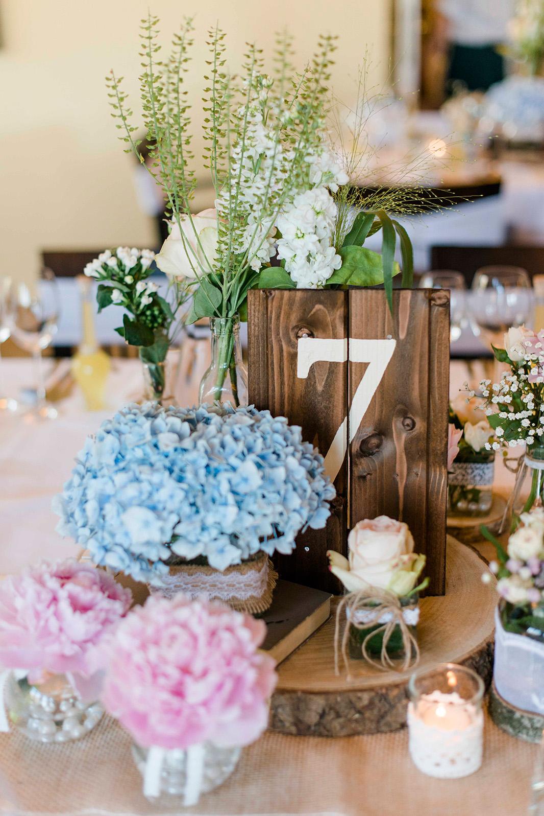 KathleenWelkerPhotography_Hochzeit-am-See-Detailverliebt-frische-Blumen-Hochzeitstorte-55