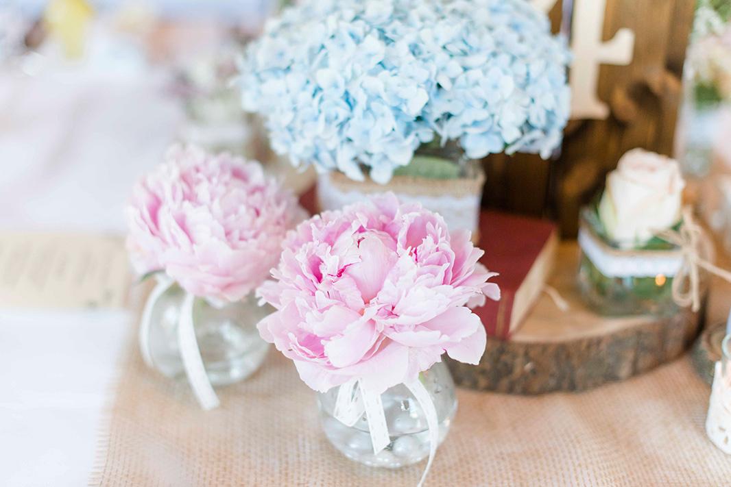 KathleenWelkerPhotography_Hochzeit-am-See-Detailverliebt-frische-Blumen-Hochzeitstorte-69