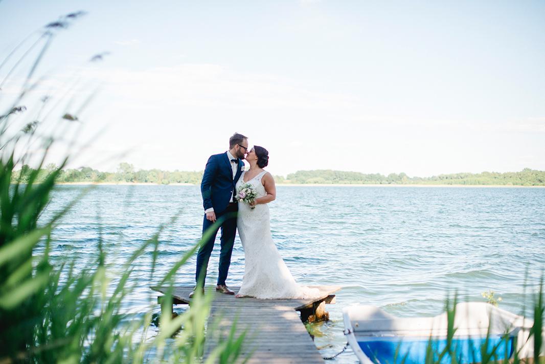 KathleenWelkerPhotography_Hochzeit-am-See-Paarfotos-Schaarlsee-Bride-Groom-Hochzeit-70