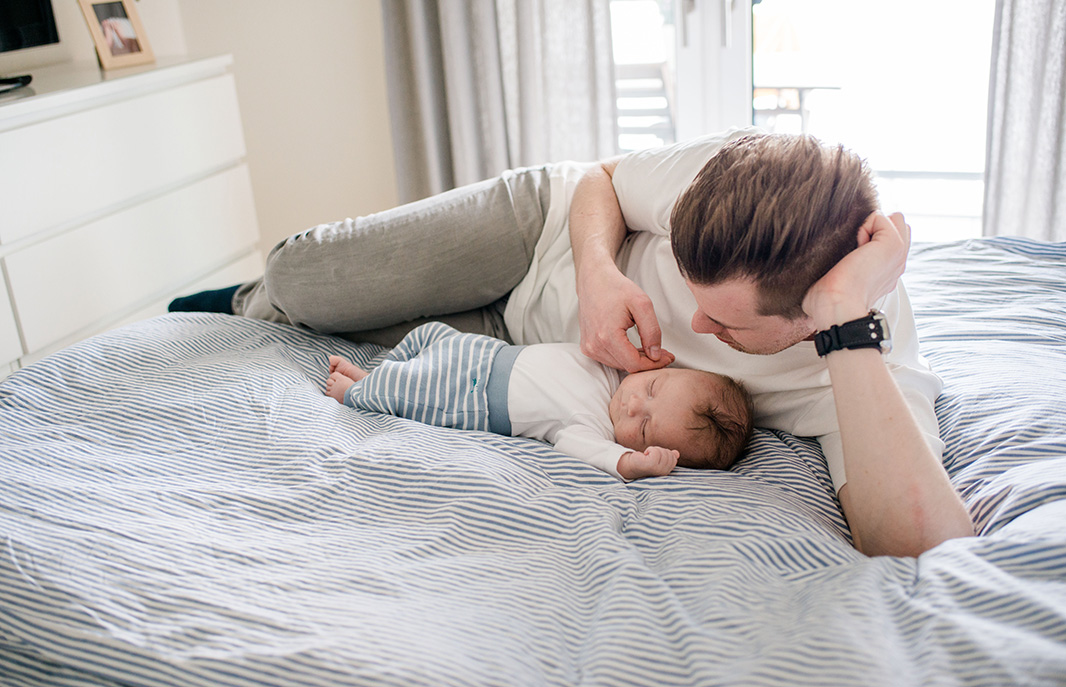 Lifestyle Homeshooting wundervolle Familienbilder In-Home-Session Hamburg